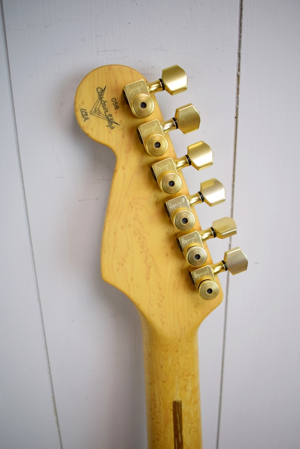 Custom Shop Hank Marvin Stratocaster 56 of 100 (1992)